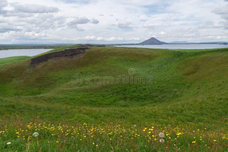 Kratery Pseudo w pobliżu jeziora Myvatn na Islandii zdjęcia royalty free