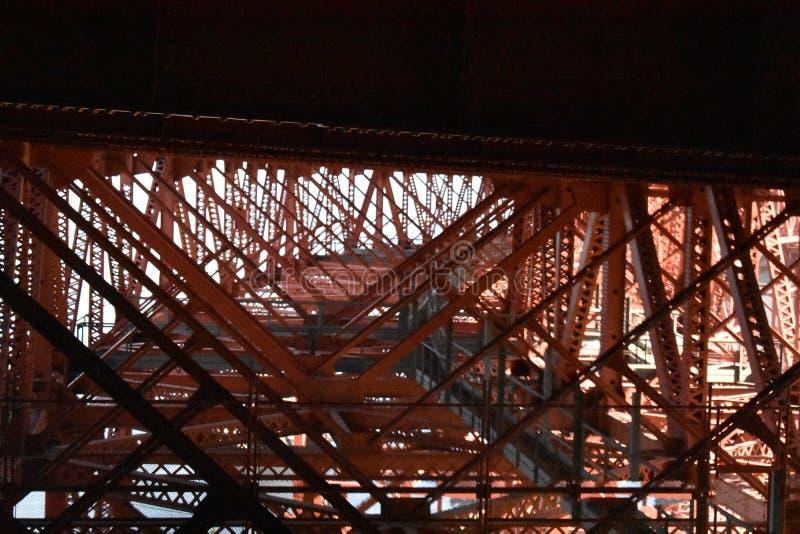 Kratownicy praca underworking Golden Gate Bridge, 3 obrazy stock