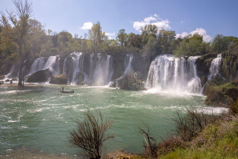 Kravice-Wasserfall auf dem Trebizat-Fluss in Bosnien und Herzegowina stockbilder