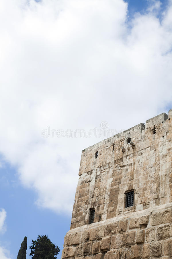 Wieżyczka & Chmurny niebo obraz stock