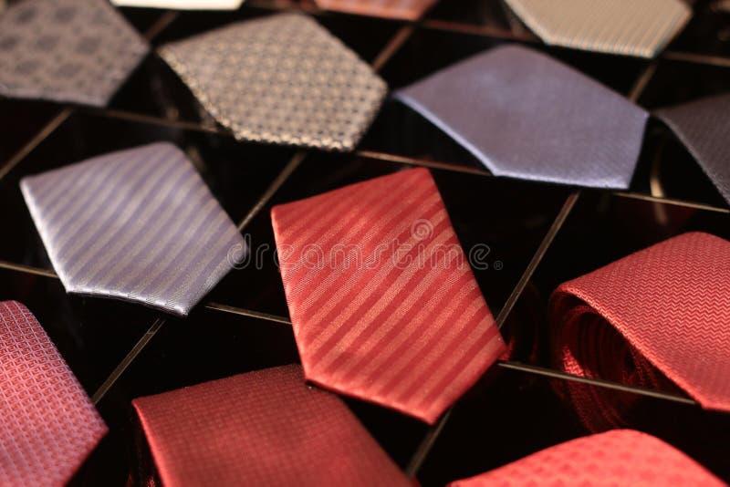 Krawat dla mężczyzn w sklepie zdjęcie stock