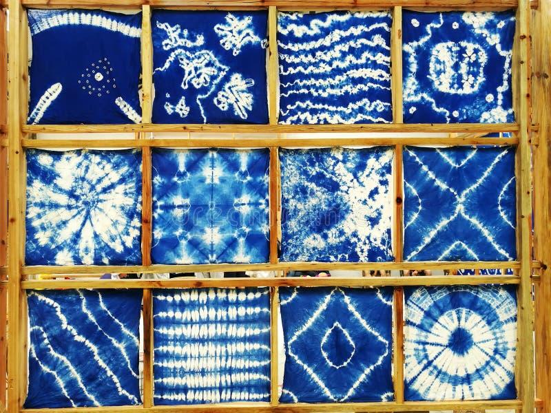 Krawat farbujący, płótno, błękitna tkanina ilustracji