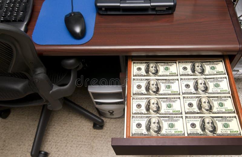 kreślarz folujący pieniądze obraz stock