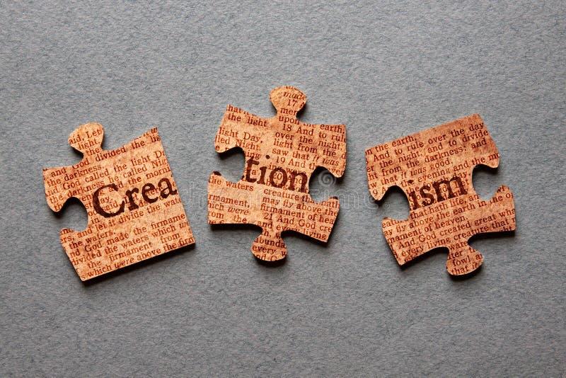 Kreationismus-Laubsäge schlecht zusammengestellt lizenzfreies stockfoto