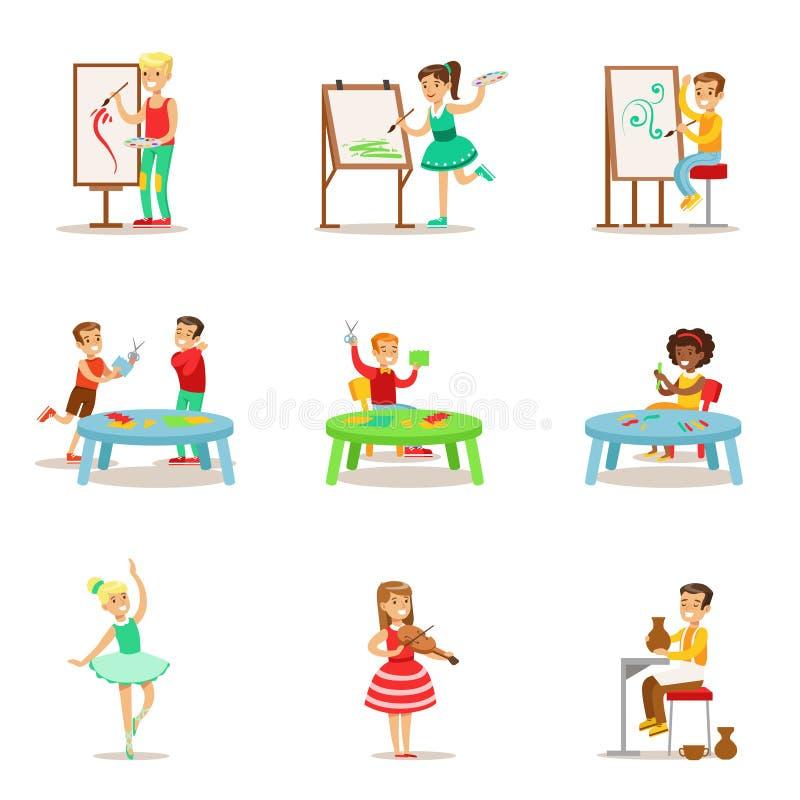 Kreative Kinder, die unterschiedliche Künste und Handwerk in Art Class And By Themselves-Satz Kindern und Kreativität themenorien lizenzfreie abbildung