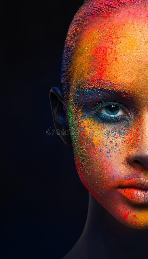 Kreative Kunst von bilden, Mode-Modell-Nahaufnahmeporträt lizenzfreie stockbilder