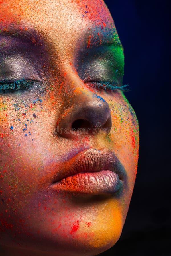 Kreative Kunst von bilden, Mode-Modell-Nahaufnahmeporträt lizenzfreies stockfoto