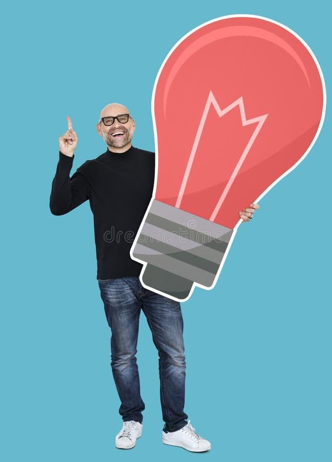 Kreativer Designer, der herauf neue Ideen denkt stockfoto