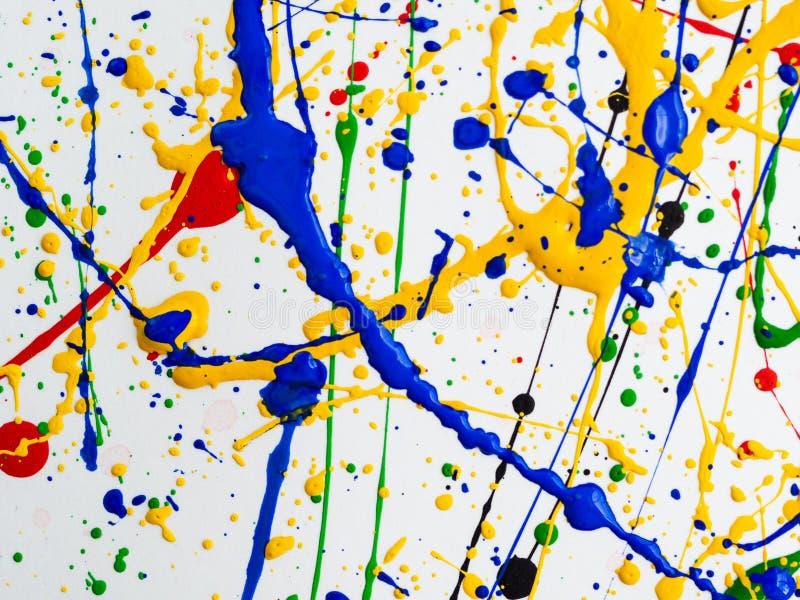 Kreativer Hintergrund der Kunst des abstrakten Expressionismus Kunst von spritzt und tropft rote schwarze grüne gelbe blaue Farbe lizenzfreie stockfotografie