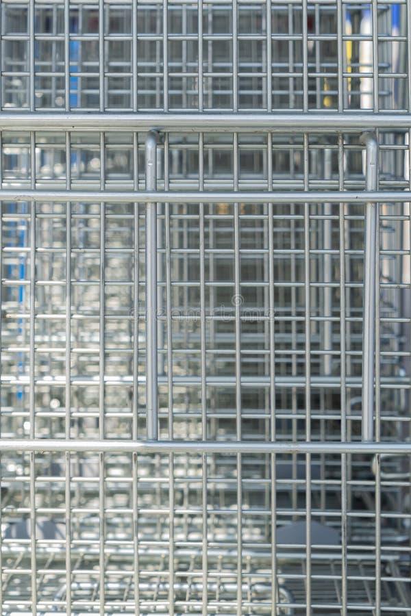 Kreativer Hintergrund der Metallmasche Natürliche Struktur des Edelstahls lizenzfreie stockfotografie