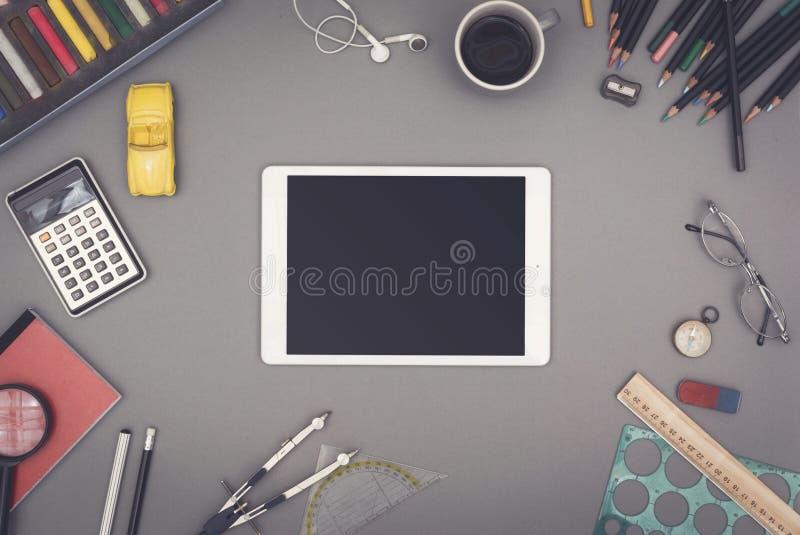 Kreativer Tabletten-PC-Heldtitel stockfotografie