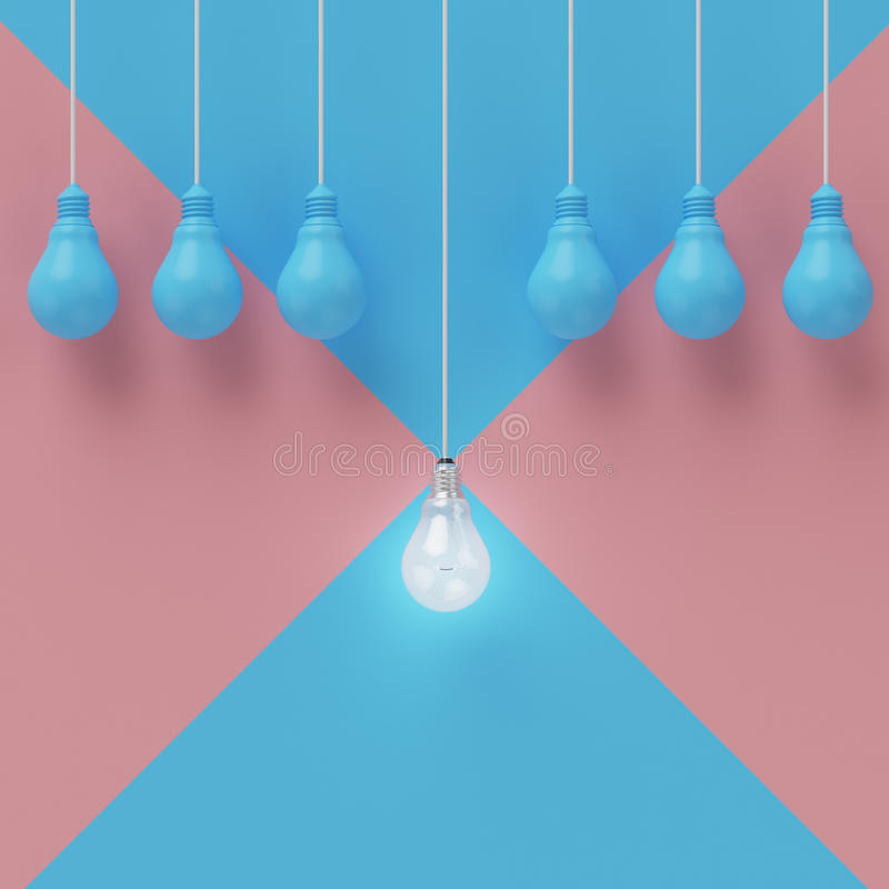 Kreatives Glühlampe Ideenkonzept auf blauem querem rosa Pastellhintergrund lizenzfreie stockbilder