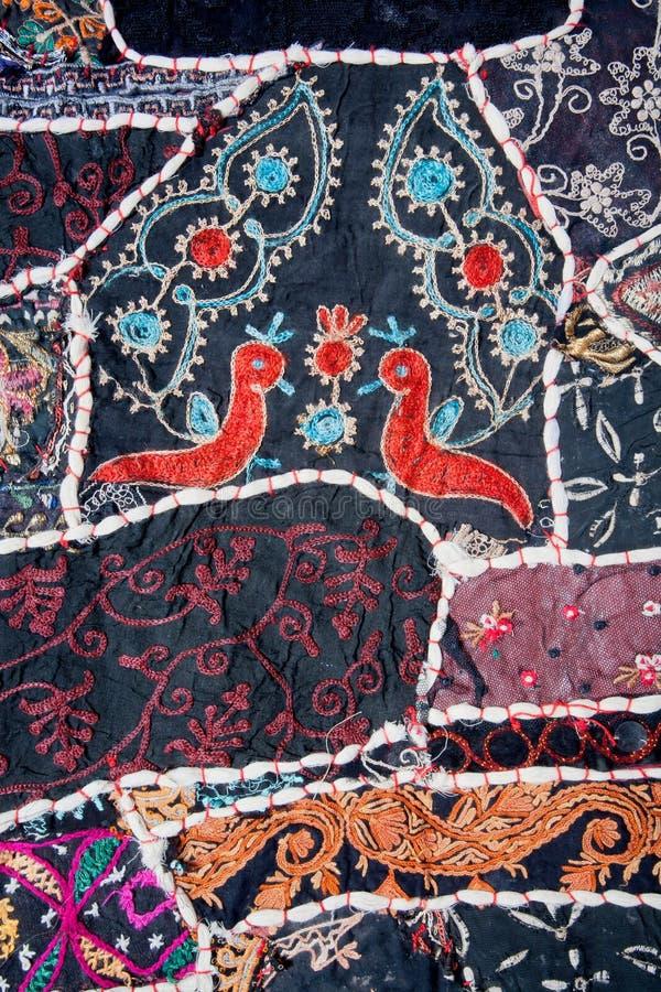 Kreatywnie bezszwowy patchworku wzór z ptakami obraz stock