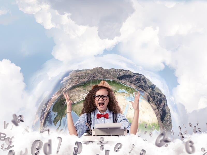 Kreatywnie inspiracja młody żeński pisarz zdjęcie stock