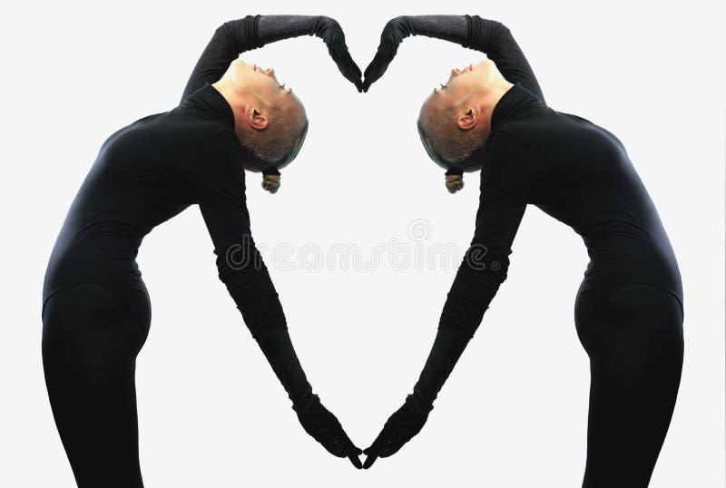 Kreatywnie pojęcie, serce, symbol miłość, fromed dwa żeńskimi bodies odzwierciedla each inny obrazy stock