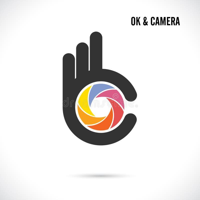 Kreatywnie ręki i kamery obiektywu loga abstrakcjonistyczny projekt Ręki Ok symbo royalty ilustracja