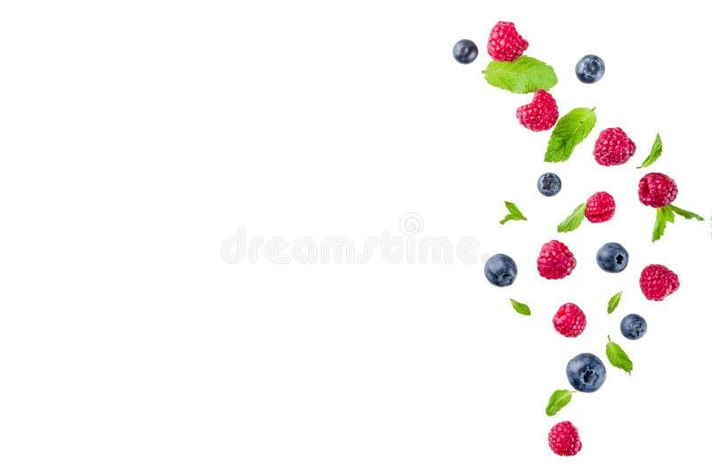 Kreatywnie układ, tło, z świeżymi jagodami, prosty wzór zdjęcia stock