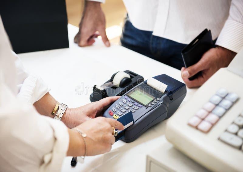 Kreditkortbetalning arkivbilder