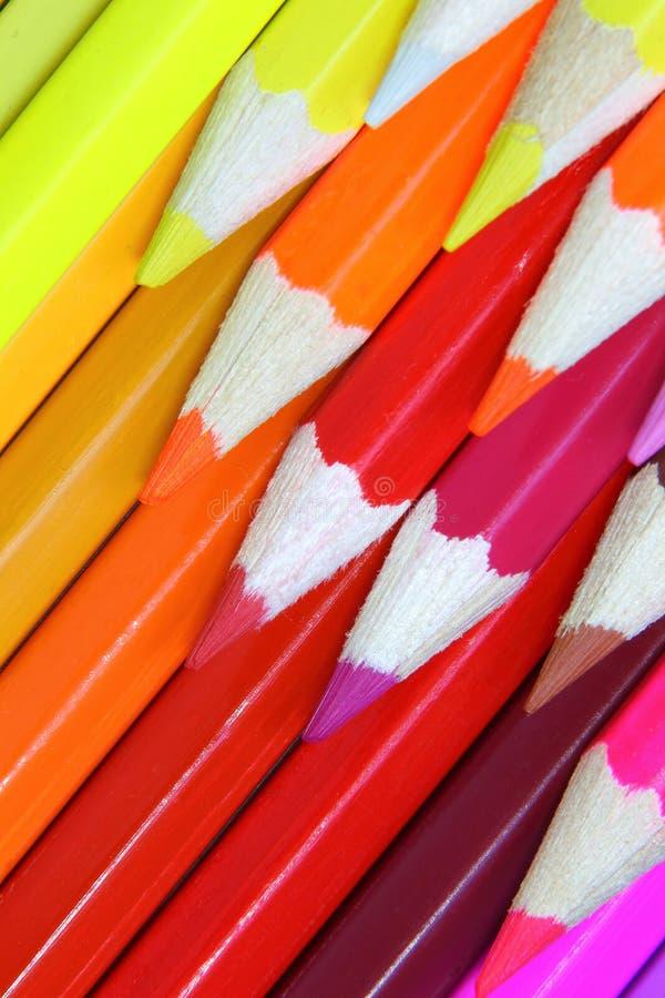 Kredka barwiący ołówka frontowy tło zdjęcie royalty free
