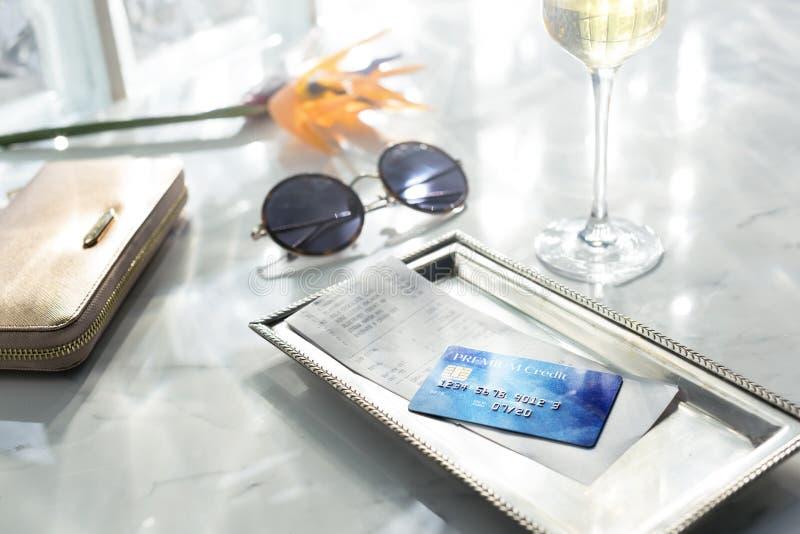 Kredytowej karty debetowej Pieniężny pieniądze Płaci Balansowego pojęcie obraz stock