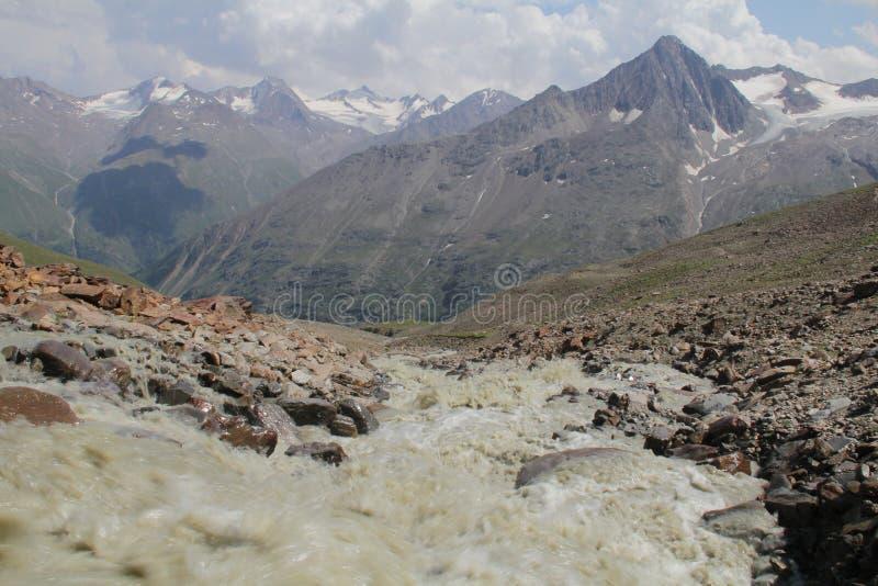Kreek van gletsjers, Otztal-alpen, Oostenrijk royalty-vrije stock afbeelding
