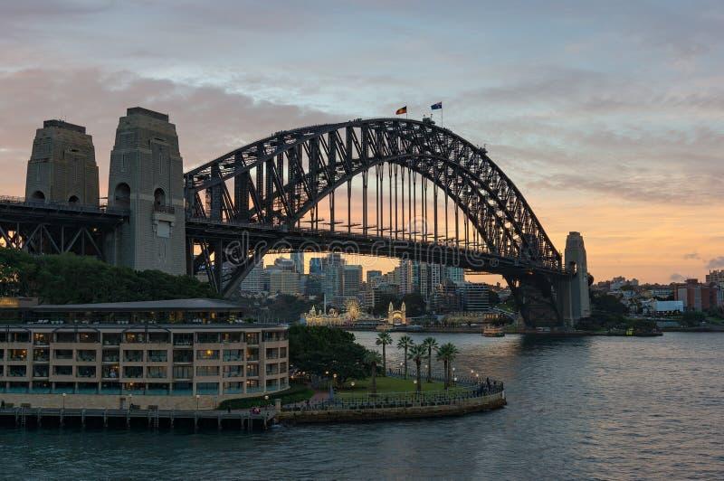 Kreis-Quay-Bucht und Sydney Harbour Bridge lizenzfreies stockbild