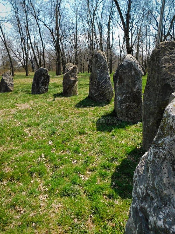 Kreis von großen Felsen stockbild