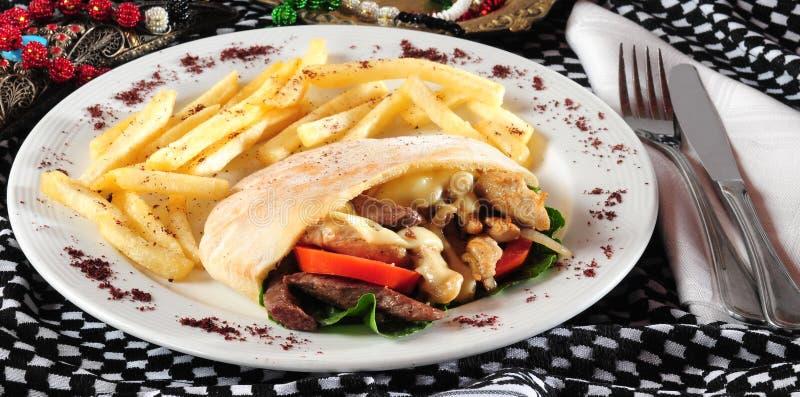 Kreiselkompaß oder shawarma Sandwich lizenzfreies stockbild