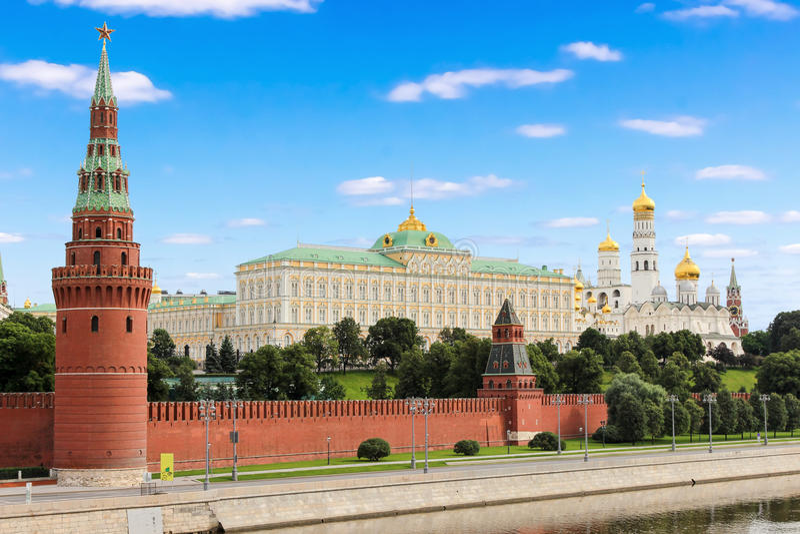 Kreml av Moskva, Ryssland Sikten från den stora stenbron arkivfoton
