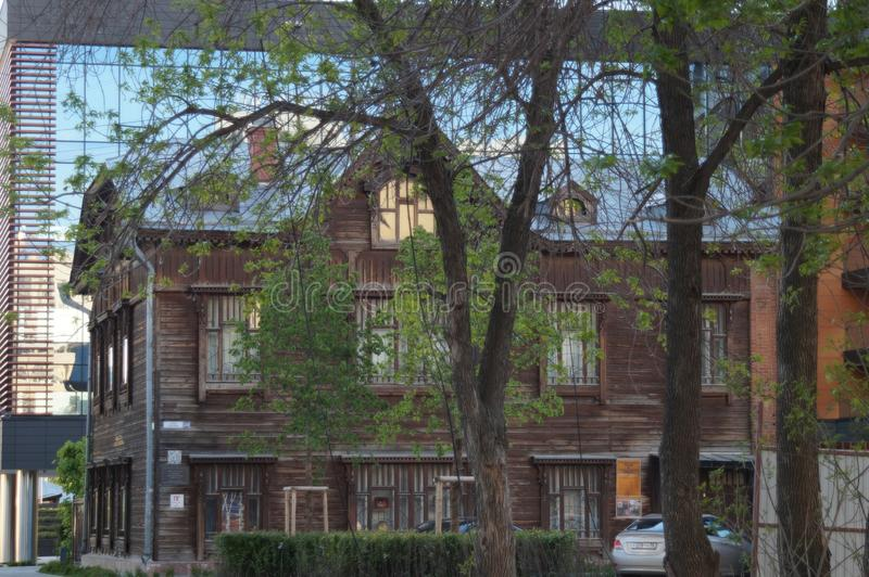 Kreml miasta krajobrazu noc znale?? odzwierciedlenie rzeki Gogol ulica 20 Zabytek drewniana architektura początek 20 wieku wiek obraz royalty free
