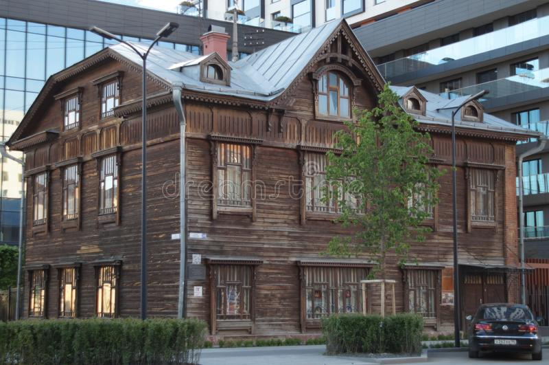 Kreml miasta krajobrazu noc znale?? odzwierciedlenie rzeki Gogol ulica 20 Zabytek drewniana architektura początek 20 wieku wiek zdjęcia royalty free