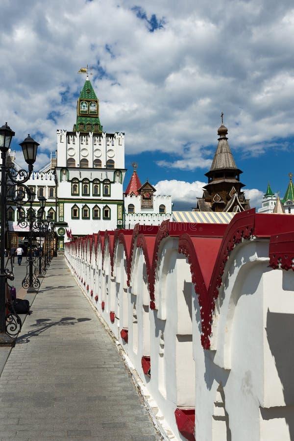 Kremlin de Izmaylovsky em Moscou Arquitetura tradicional do russo foto de stock