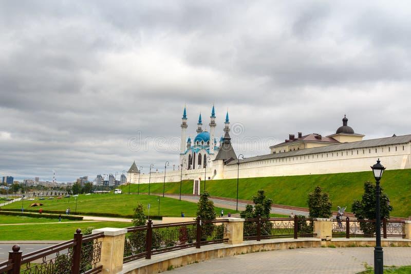 Kremlin de Kazan e mesquita de Kul-Sharif kazan Rússia fotografia de stock