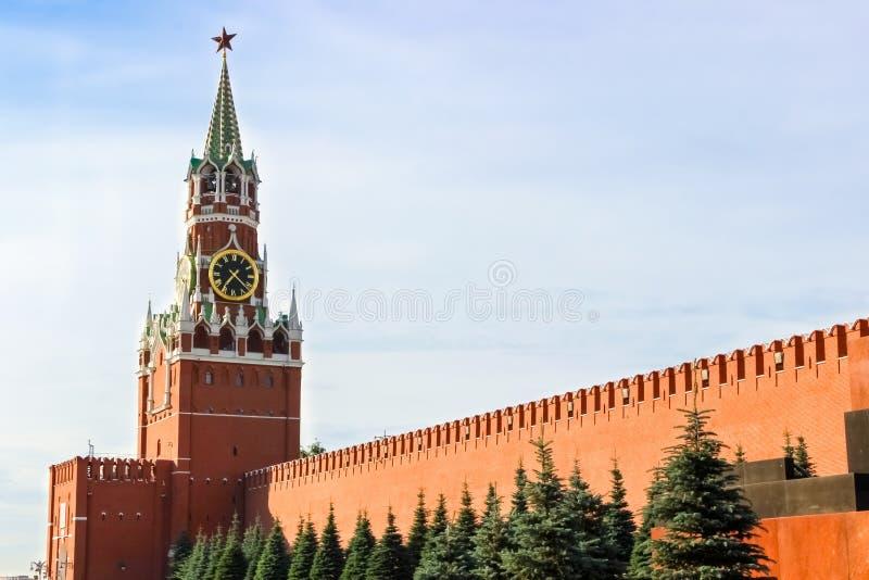 Kremlin de Moscou, quadrado vermelho, torre de Spasskaya imagem de stock
