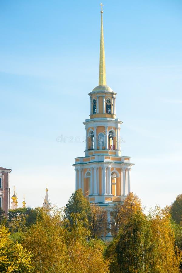 Kremlin de Ryazan no outono - ansamble da igreja do ortodox fotos de stock royalty free