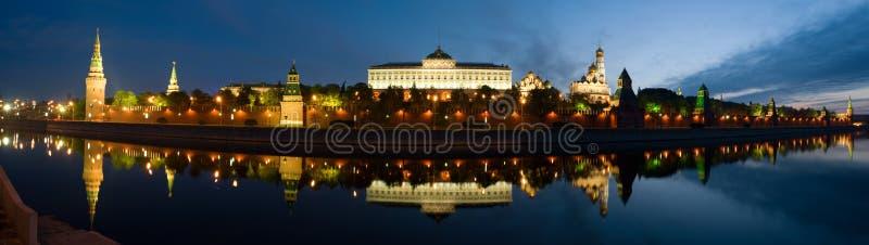 Download Kremlin moscow panorama fotografering för bildbyråer. Bild av green - 19776583