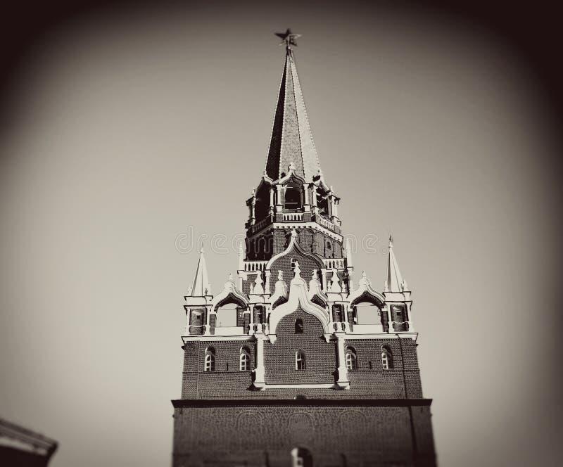 kremlin moscow Tappning utformar sepiafotoet royaltyfri bild