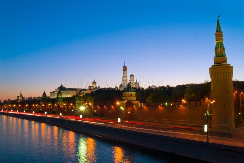 Kremlin no rio de Moscovo, Moscovo, Rússia imagem de stock