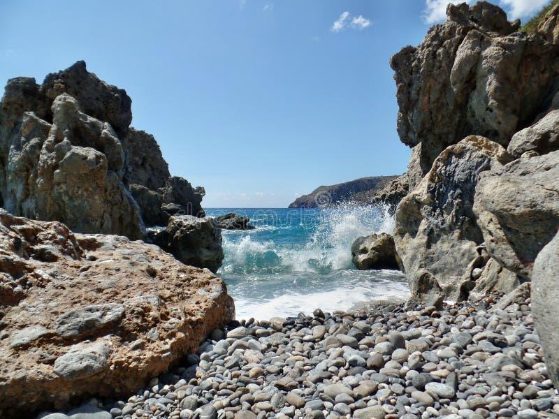 Kreta - Sougia som bedövar stranden arkivbild