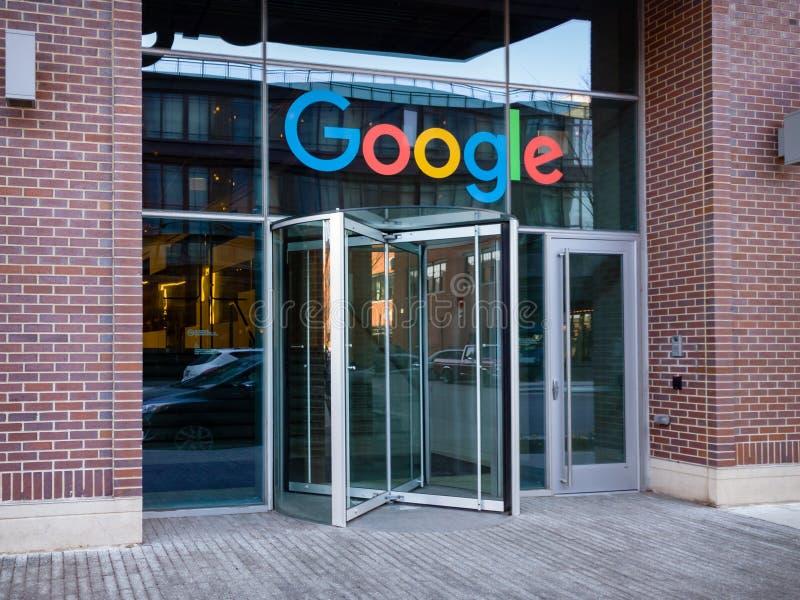 Kretsa dörringången till Google den företags universitetsområdet i Chicago royaltyfria foton