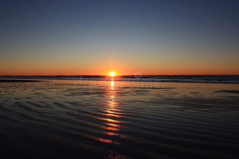 Kreuz auf dem Strand lizenzfreie stockfotografie