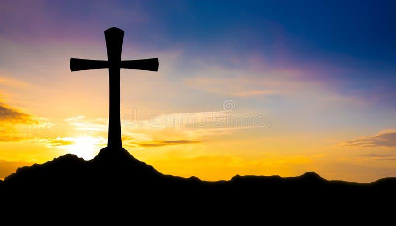 Kreuz auf einem Hügel lizenzfreies stockbild