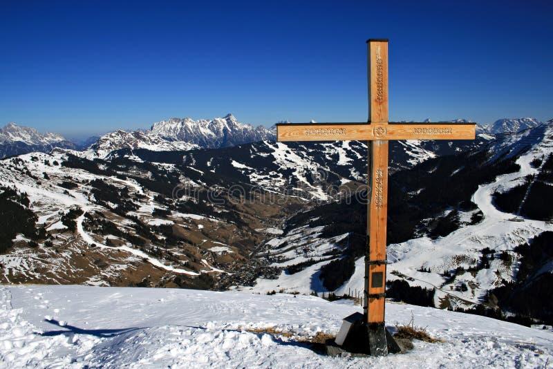 Kreuz an der Oberseite lizenzfreies stockfoto