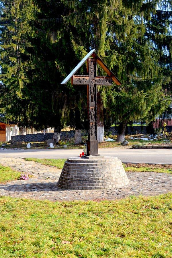 Kreuz in Sambata-Kloster, Fagaras lizenzfreie stockfotos