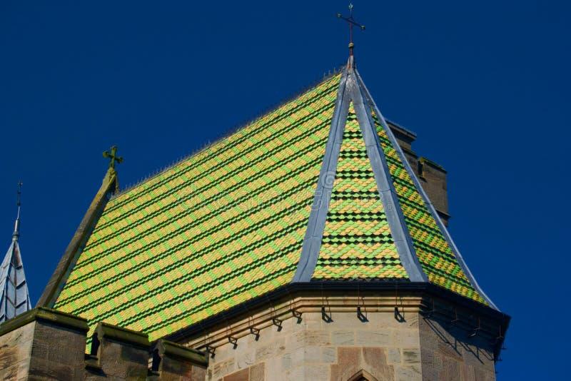Kreuze auf dem Dach lizenzfreies stockfoto