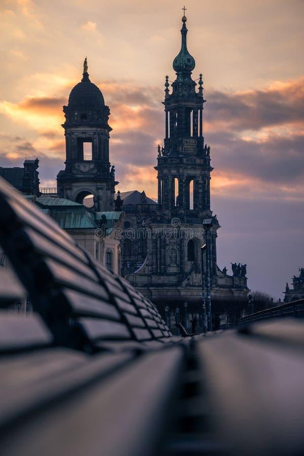 Kreuzkirche kościół Święty krzyż w Drezdeńskim, Ewangelicki kościół w Niemcy przy zmierzchem obraz stock
