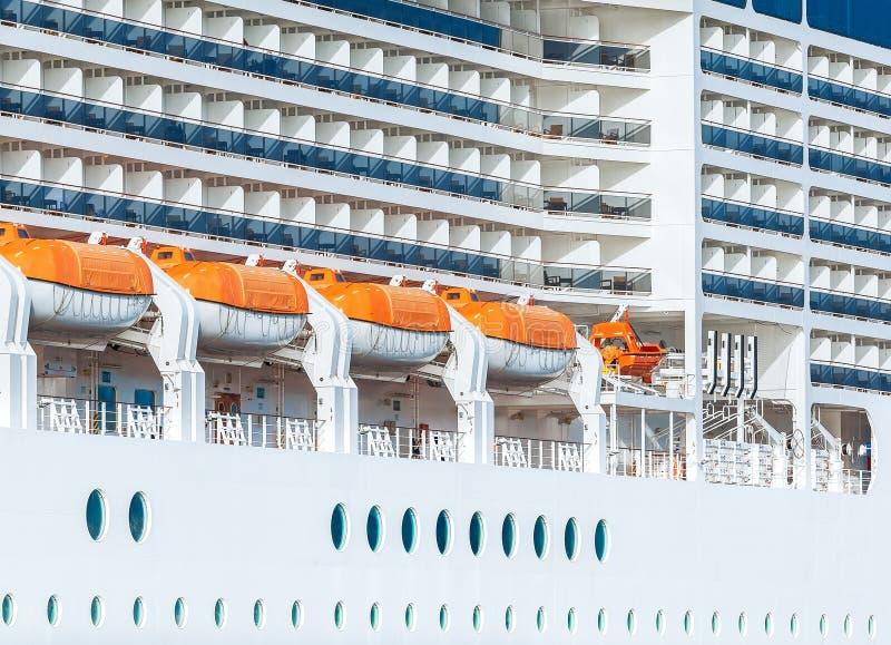 Kreuzschiff, Karakoy-Hafen/Istanbul - die TÜRKEI stockfoto