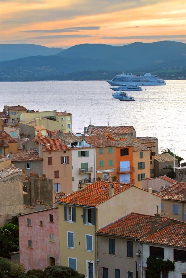 Kreuzschiffe an St.Tropez stockfotos
