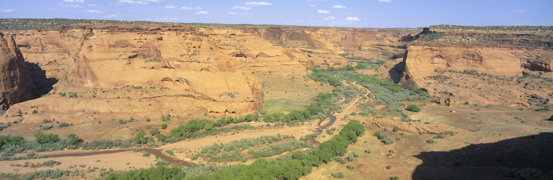 Kreuzung übersehen, Nationaldenkmal Canyon de Chelly, Arizona lizenzfreie stockbilder