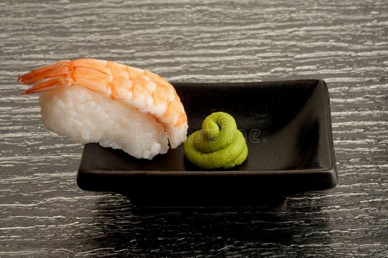 Download Krewetkowy suszi zdjęcie stock. Obraz złożonej z japonia - 13335766